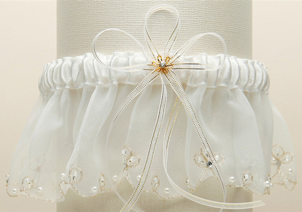 Mariell Organza Bridal Garters with Pearls and Chain Edging: White, Blue (CLON)
