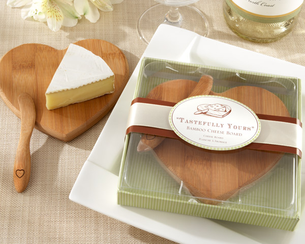 Tastefully Yours, Heart-Shaped Bamboo Cheese Board