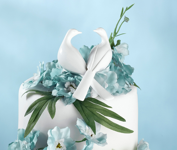 Lillian Rose Doves Cake Pick: White