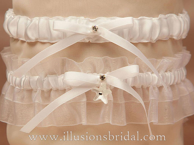 Illusions Bridal Bridal Garters and Purses 1012