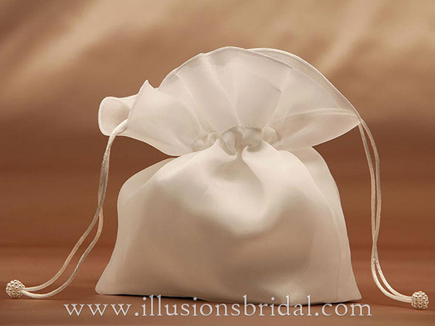 Illusions Bridal Bridal Garters and Purses 1501
