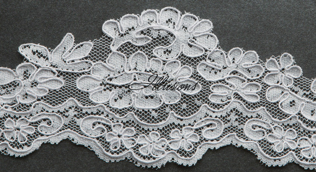 Illusions Bridal Lace Edge Veil 7-301-1L