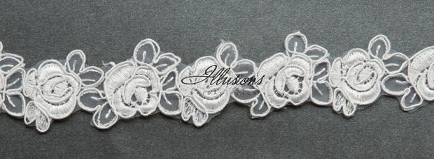Illusions Bridal Lace Edge Veil D7-452-5L: Rhinestone Accent