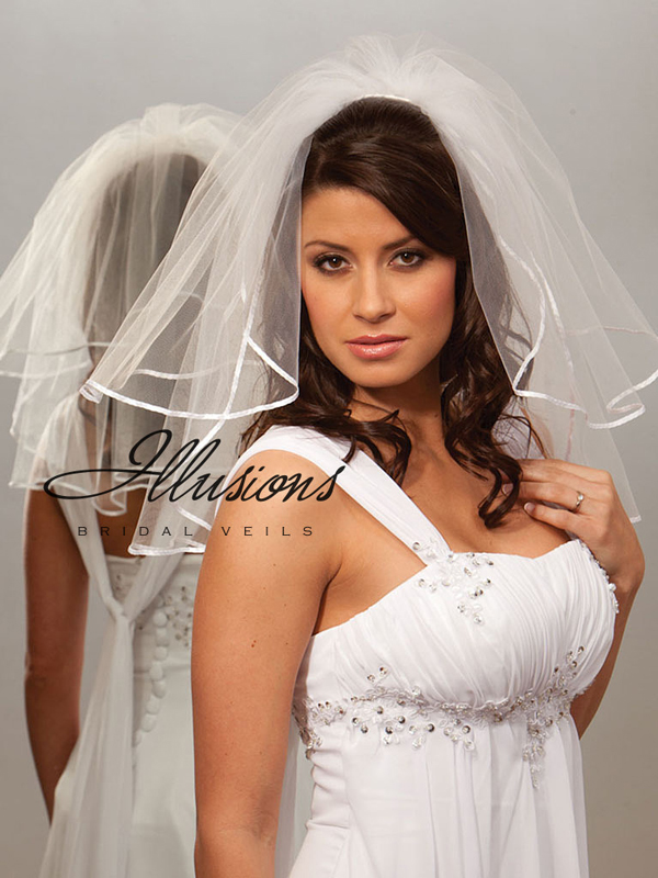 Illusions Bridal Ribbon Edge Veil S5-202-1R: Pearl Accent