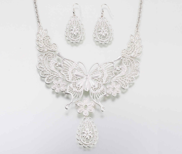 Lillian RoseButterfly Jewelry Set - Silver