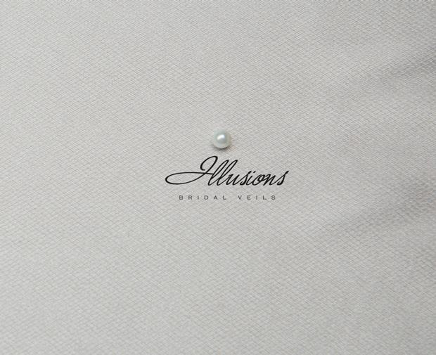 Illusions Bridal Ribbon Edge Veil S1-452-SR: Pearl Accent