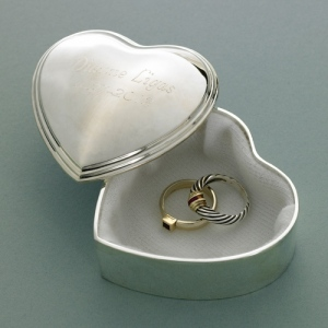 JDS Personalized Trinket Box: Heart
