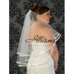 Illusions Bridal Ribbon Edge Veil C5-302-3R: Pearl Accent